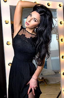 Cheerful lady Ol'ga from Chernigov (Ukraine), 28 yo, hair color brunette