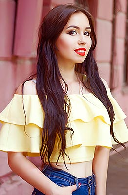 Divorced lady Anastasiya from Lugansk (Ukraine), 21 yo, hair color chestnut