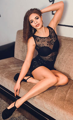 Sociable lady Elena from Lugansk (Ukraine), 27 yo, hair color dark brown