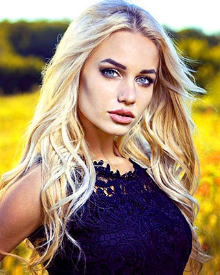 Sexual bride Diana from Kiev (Ukraine), 22 yo, hair color blonde