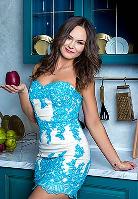 Positive woman Nadejda from Kiev (Ukraine), 37 yo, hair color brunette
