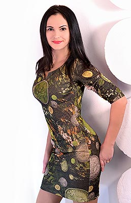Curious woman Nataliya from Kharkov (Ukraine), 31 yo, hair color black