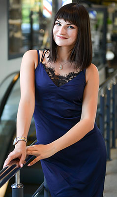 Warm woman Nataliya from Kharkov (Ukraine), 28 yo, hair color brown-haired