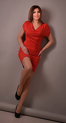 Positive woman Elena from Kharkov (Ukraine), 40 yo, hair color brown-haired