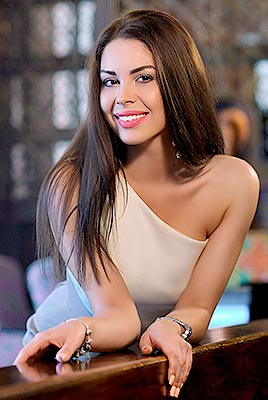 Open bride Alina from Kherson (Ukraine), 22 yo, hair color brown-haired