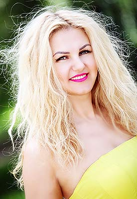 Communicative lady Yuliya from Khmelnitsky (Ukraine), 39 yo, hair color blonde