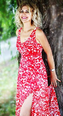 Wellread lady Svetlana from Lvov (Ukraine), 54 yo, hair color blonde