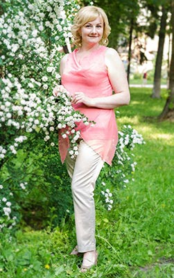 Optimistic bride Lesya from Kiev (Ukraine), 40 yo, hair color blond