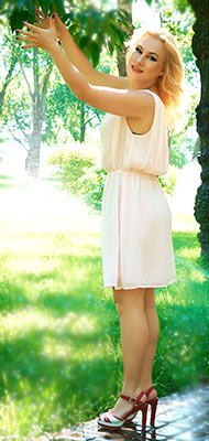 Thrifty woman Marina from Kiev (Ukraine), 42 yo, hair color blond