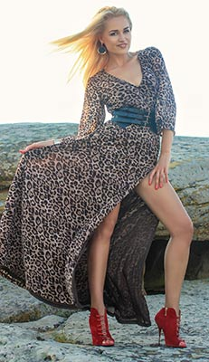Kind lady Elena from Melitopol (Ukraine), 32 yo, hair color blonde