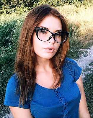 Emotional lady Tat'yana from Sumy (Ukraine), 20 yo, hair color brown
