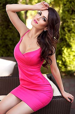 Cheerful woman Ol'ga from Kiev (Ukraine), 30 yo, hair color black