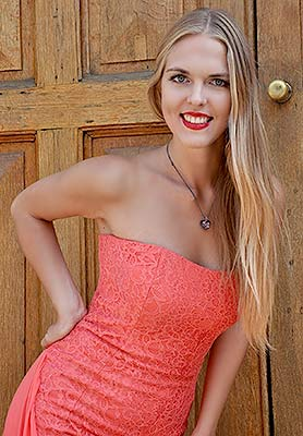 Adventurous girl Violetta from Odessa (Ukraine), 25 yo, hair color blonde