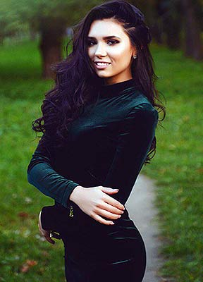 Temperamental girl Anastasiya from Minsk (Belarus), 24 yo, hair color chestnut