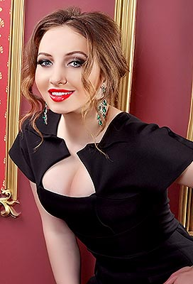 Healthy lady Karina from Belaya Tserkov (Ukraine), 22 yo, hair color chestnut