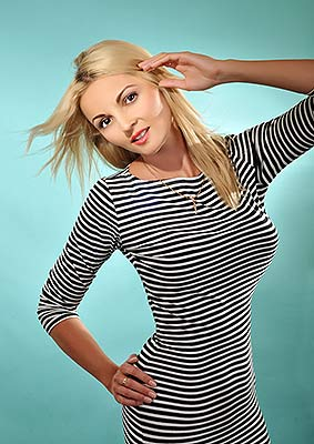 Stylish woman Ekaterina from Kiev (Ukraine), 30 yo, hair color blonde