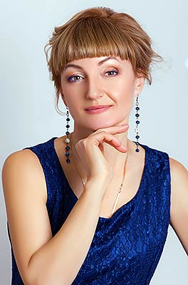 Mature lady Lyudmila from Dnepropetrovsk (Ukraine), 47 yo, hair color dark brown