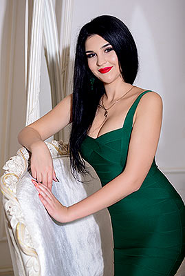Serious bride Ol'ga from Kiev (Ukraine), 27 yo, hair color brunette