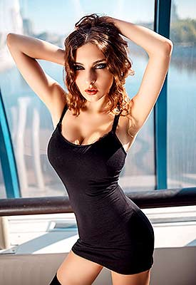Goal oriented bride Kseniya from Moscow (Russia), 24 yo, hair color chestnut