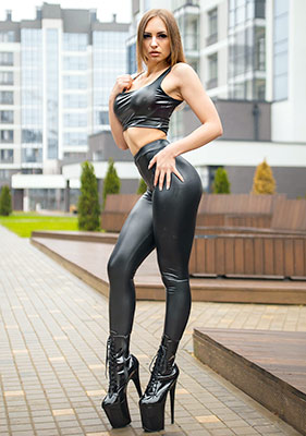 Friendly lady Ekaterina from Minsk (Belarus), 23 yo, hair color light brown