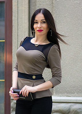 Goal oriented lady Alena from Kiev (Ukraine), 30 yo, hair color black
