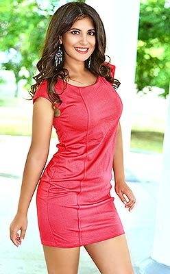 Goal oriented lady Marina from Nikolaev (Ukraine), 28 yo, hair color chestnut
