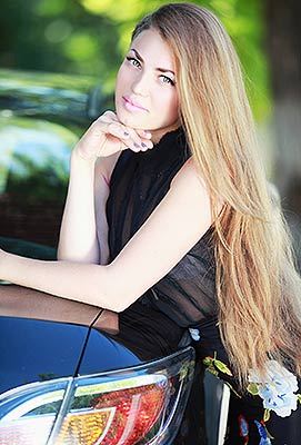 Intellegent bride Anastasiya from Nikolaev (Ukraine), 23 yo, hair color chestnut