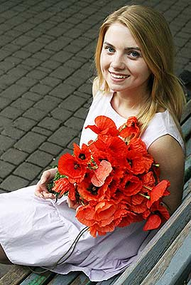 Purposeful girl Ol'ga from Kiev (Ukraine), 21 yo, hair color blonde