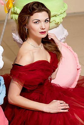 Divorced woman Violetta from Berdyansk (Ukraine), 28 yo, hair color red-haired