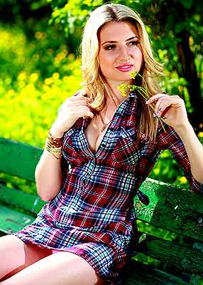 Eneretic girl Viktoriya from Odessa (Ukraine), 26 yo, hair color blonde