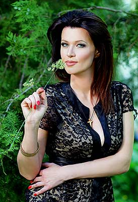 Open woman Yuliya from Odessa (Ukraine), 37 yo, hair color brunette