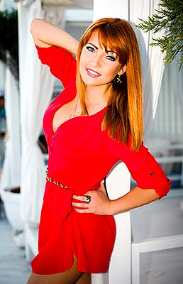 Active lady Elena from Odessa (Ukraine), 38 yo, hair color red-haired