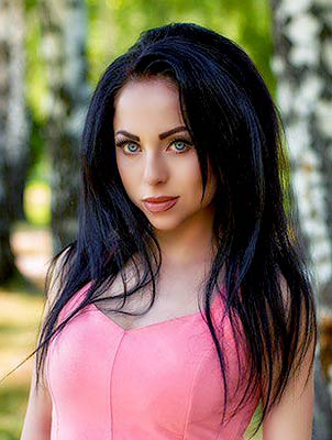 Creative girl Yuliya from Poltava (Ukraine), 26 yo, hair color brunette