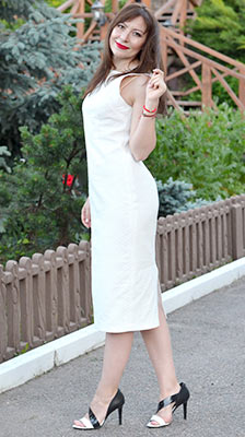 Intelligent woman Irina from Poltava (Ukraine), 43 yo, hair color chestnut