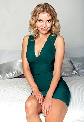 Persistent bride Yanina from Kiev (Ukraine), 31 yo, hair color blonde