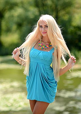Positive bride Tat'yana from Vinnitsa (Ukraine), 26 yo, hair color blonde