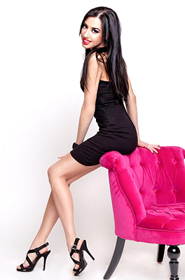 Romantic bride Janna from Vinnitsa (Ukraine), 31 yo, hair color black