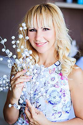 Pleasure woman Elena from Zaporozhye (Ukraine), 43 yo, hair color blonde