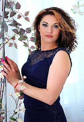 Cheerful woman Anna from Zaporozhye (Ukraine), 36 yo, hair color brunette