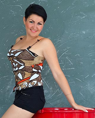 Strongwilled bride Oksana from Nikolaev (Ukraine), 38 yo, hair color black