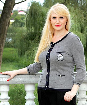 Feminine lady Elena from Belaya Tserkov (Ukraine), 52 yo, hair color blonde
