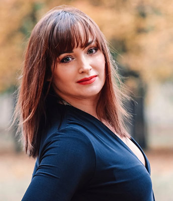 Attentive woman Irina from Dnipro (Ukraine), 36 yo, hair color red-haired