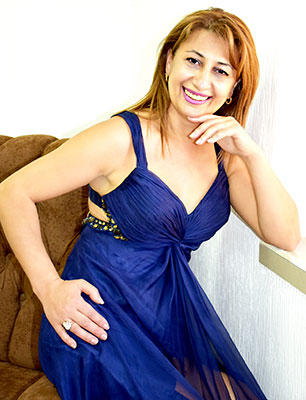 Wellmannered bride Kristina from Erevan (Armenia), 43 yo, hair color chestnut