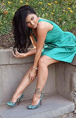 Sunny lady Syuzanna from Erevan (Armenia), 42 yo, hair color black