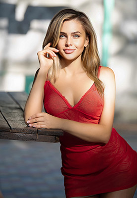Slim bride Viktoriya from Cherkassy (Ukraine), 34 yo, hair color chestnut