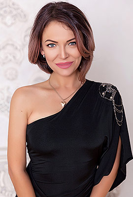 Generous woman Alla from Kiev (Ukraine), 36 yo, hair color brunette