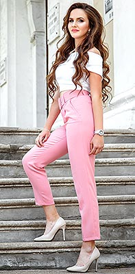 Proud lady Dar'ya from Odessa (Ukraine), 21 yo, hair color brown-haired