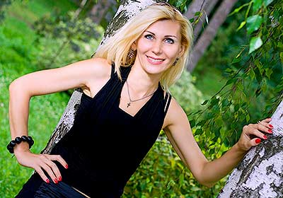 Confident bride Alena from Kiev (Ukraine), 48 yo, hair color blonde