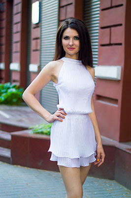 Communicative lady Elizaveta from Dnipro (Ukraine), 36 yo, hair color chestnut