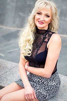 Mature bride Elena from Dnipro (Ukraine), 47 yo, hair color blonde